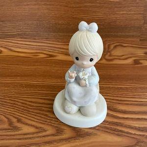 PRECIOUS MOMENTS A Universal Love ceramic figurine